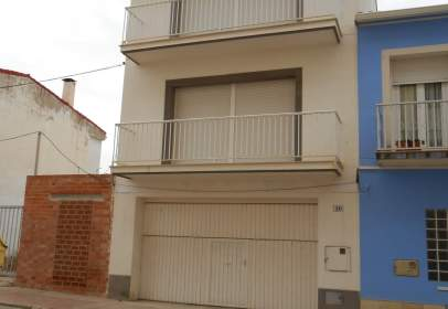 Casa pareada en Avinguda de Diputació, 10