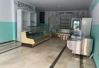 Local comercial en Avenida del Trapiche, nº 24