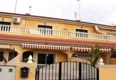 House in calle Valle de Leyva