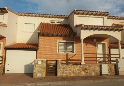 Terraced chalet in calle Mistral