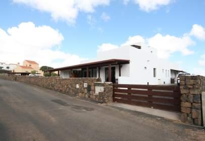Casa unifamiliar en calle del Montaña de la Arena, nº 32