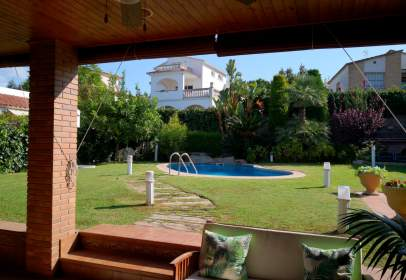Chalet in calle Mar Cantabrico