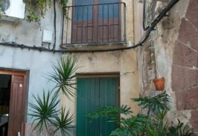 Casa adosada en Carrer La Canal, nº 10