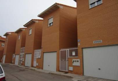 Terraced chalet in calle Madroño