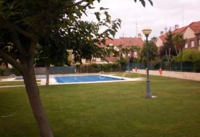 Casa unifamiliar a El Campillo, Bonita Urbanizaci