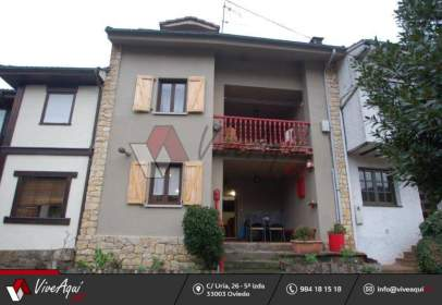 Terraced house in Abantro
