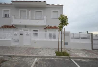 Casa pareada en calle del Doctor Fléming, 64