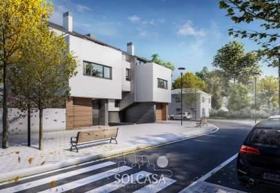 Casa en calle de la Fuente El Sol, cerca de Calle Sagitario