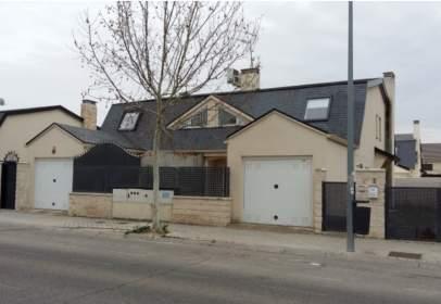 Casa pareada en calle de Segovia