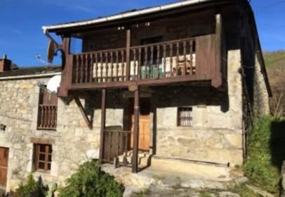 Casa a calle Barrio La Veguilla