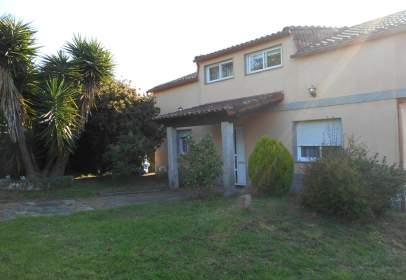 Casa en calle Arantei