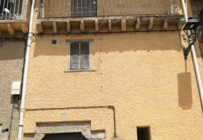 Casa adosada en calle Iglesia, nº 2