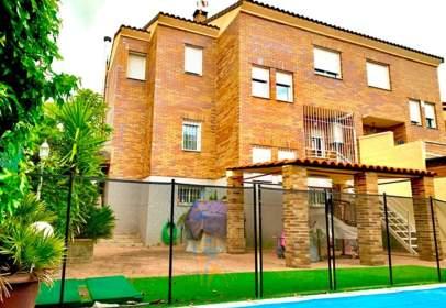Casa aparellada a calle de Cáceres