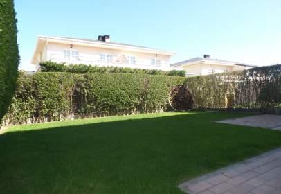 Casa en Urbanización  Atyka