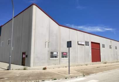 Nau industrial a calle Albañiles, nº 26