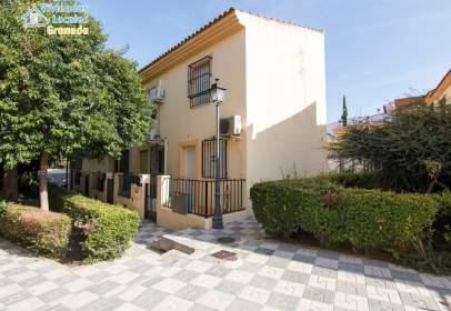 Casa adosada en calle los Lechines, nº 7
