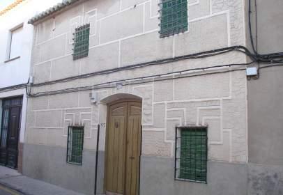 Casa en calle del Oriente, cerca de Calle de Castilla