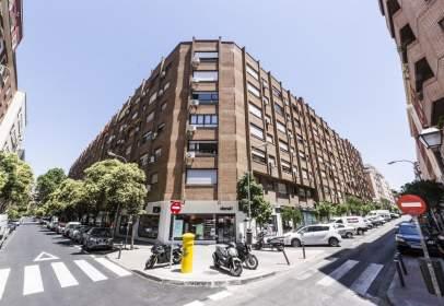 Apartment in calle de Donoso Cortés, nº 80