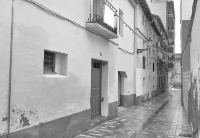 Casa adosada en calle de Sobrarbe, nº 6