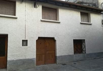 Casa aparellada a calle del Viento