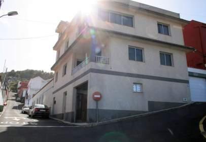 Casa adosada en calle Calvo Sotelo
