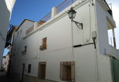 Casa adosada en calle Fuente Arca