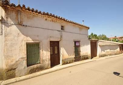 Casa adosada en calle de la Soledad
