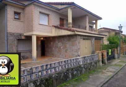 Casa adosada en calle Urbanizacion La Alegria, nº 18