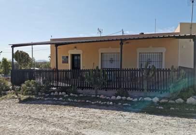 Casa pareada en calle Blanca, nº 24