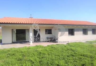 Casa en calle Ceceda