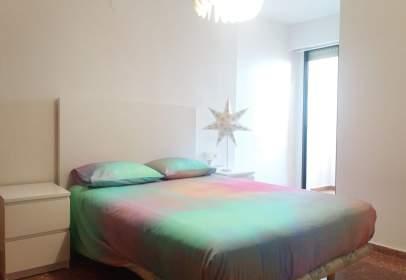 Apartment in Plaza Beatriu Civera