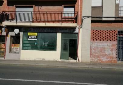 Local comercial a Avenida Madrid, nº 11