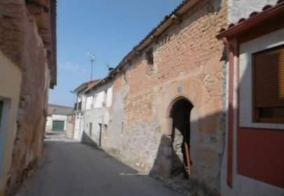 Casa aparellada a calle Palacio