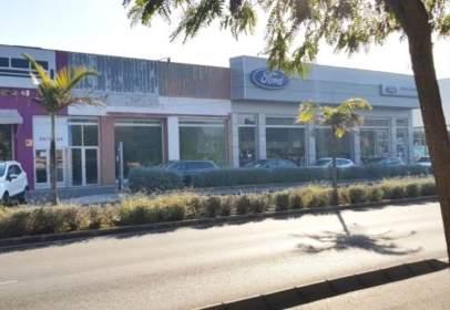 Nave industrial en Avenida de Juan Carlos I, cerca de Camino al Cementerio