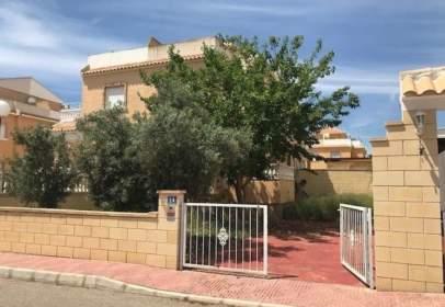 Casa adosada en calle Montalbán, nº 14