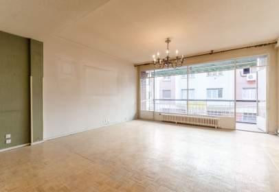 Apartament a calle de Modesto Lafuente, nº 68