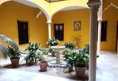 Alquiler de pisos en la buhaira san bernardo distrito for Alquiler de pisos en el centro de sevilla capital