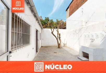 Casa a calle del Centauro, prop de Calle de la República Argentina