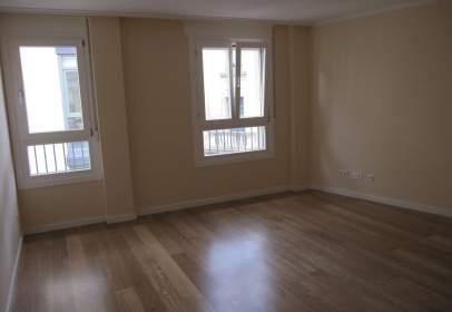 Apartament a calle del Collado, nº 37