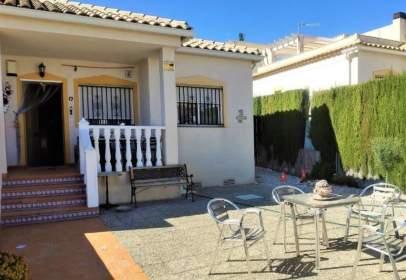 Casa en Carrer de Riu Ebro