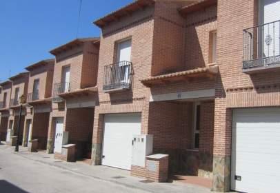 Casa aparellada a calle Juan Padilla