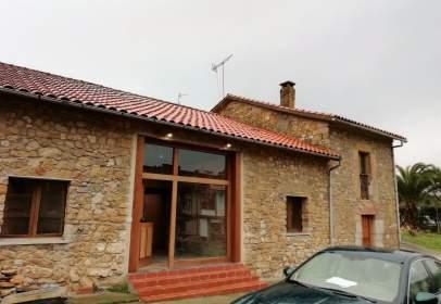House in Avenida Agustín González, nº 1