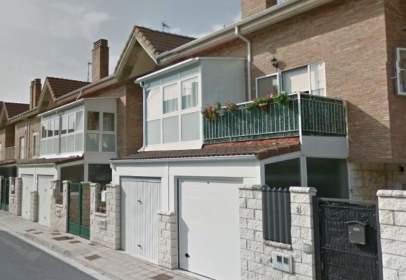Casa aparellada a calle del Olmo