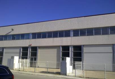 Nave industrial en calle Tordera