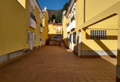 Casa aparellada a calle de los Navarros, nº 32