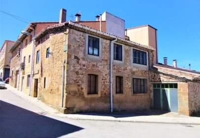 Casa adosada en calle de las Eras, nº 2