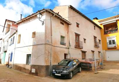 Paired house in calle Iglesia, nº 1