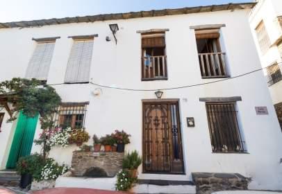 Casa adosada en calle Mecila, Bubión, nº 13