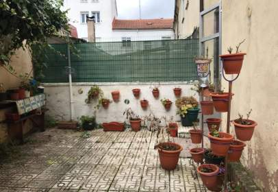 Casa pareada en calle Timoteo Arnaiz, Burgos