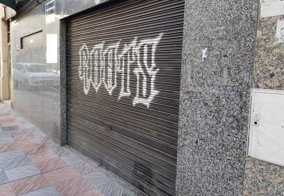 Local comercial en calle Santisteban y Osorio, León, nº 17